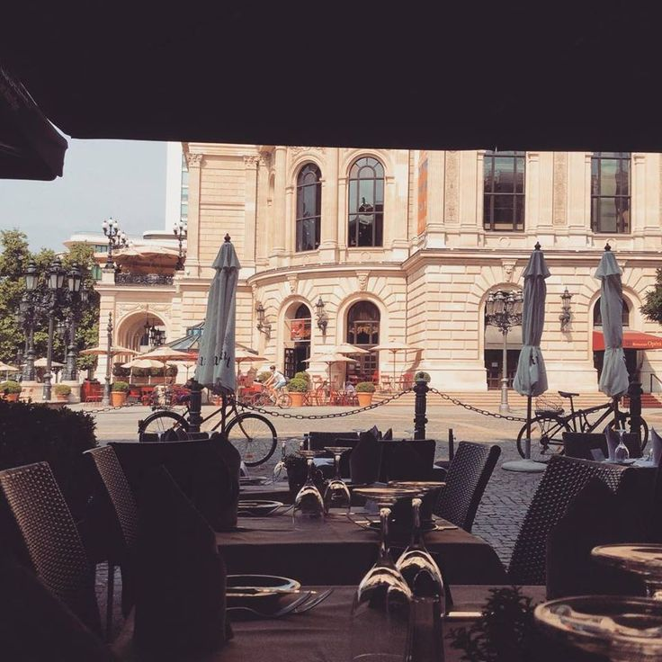 We #love the #romantic #view from our #restaurant! Nice #lazy #saturday #afternoon at the #terrace! #fun #Charlot #foodie #style #chic #food #travel #frankfurt #germany #lunch #dinner #alteoper #opernplatz #architecrure #friends #europe #glamour #delicious