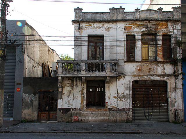 Demolished house at Casimiro de Abreu street. Sao Paulo - Brazil