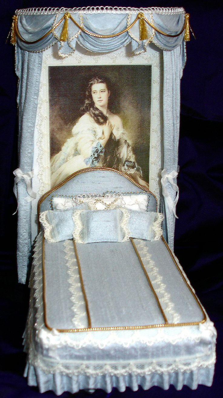 Miniature Dollhouse Bedroom Furniture 17 Best Images About Miniature Beds On Pinterest Dollhouse