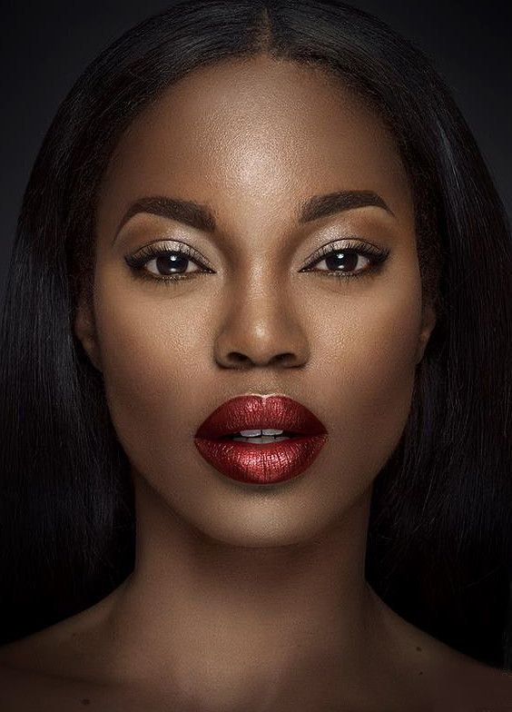 Delightful Lips and the whole Ombre look is superb .