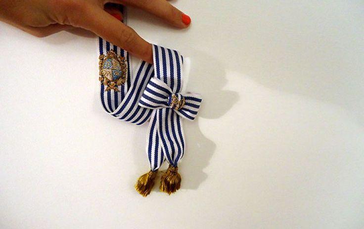 Una banda presidencial en miniatura gana el premio de #Artes Visuales