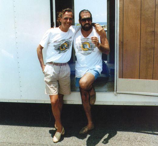 В 1971 г. Пол знакомится с Джон-Полом де Джорией, который на тот момент работает в косметической компании. Эта дружба оказывается знаковой для обоих