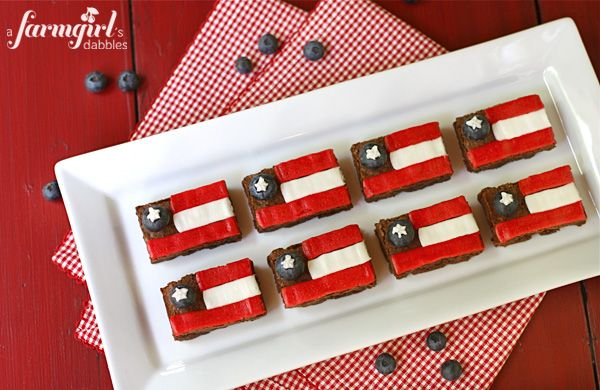 Fudgy Patriotic Brownies - from a farmgirl's dabblesBlue Food, Holiday, Fudgy Patriots, Recipe, Red White Blue, July 4Th, Patriots Brownies, Fudgy Brownies, Farmgirl Dabble