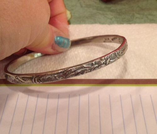 VINTAGE-ORNATE-SILVER-MARKED-925-STERLING-TAXCO-MEXICO-SIGNED-BANGLE-BRACELET