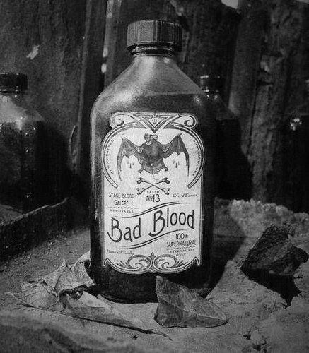 sangue Pipistrello Bianco e nero b & w soprannaturale magia cattiva strega vampiro buio streghe wiccan goth gotico wicca tutti Goti Nero Blog scuro cattivo sangue bellezza bruna bellezza gotica blog gotico