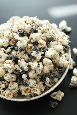 oreos: Cream Popcorn, Cooking Classy, Popcorn Oreo, Parties Favors, Cookies And Cream Parties, Oreo Popcorn, Popcorn Parties Snacks, Oreo Cookies, Popcorn Recipes