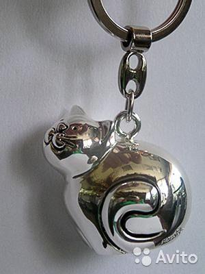 """Брелок """"Кошечка""""  Арт.ST 193 Производитель Италия Размеры: 4,5 х 3 х 8 см Покрытие изделиясеребро 925 пробы - 1760 руб."""