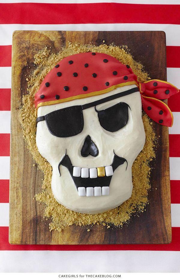 How to make a Pirate Skull Cake | Cakegirls for TheCakeBlog.com