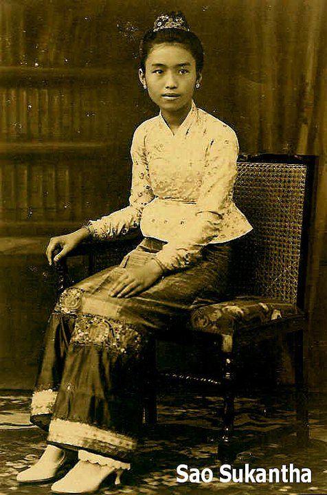 Princess (Sao) Sukantha of Kengtung married Prince Indranon of Chiengmai : เจ้านางสุคันธา ประสูติจากเจ้านางบัวทิพย์หลวง เจ้านางสุคันธาสมรสกับเจ้าอินทนนท์ ราชบุตรเจ้าแก้วนวรัฐแห่งเชียงใหม่