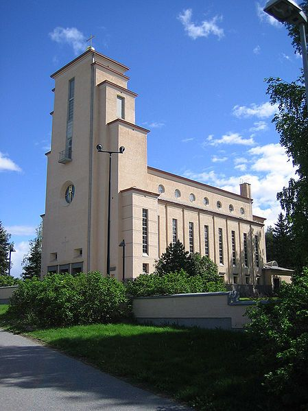 Taulumäki Church in Jyväskylä, Finland. Built in 1928–29. Designed by architect Elsi Borg. Taulumäen kirkko Jyväskylässä. Rakennettu vuosina 1928–29. Suunnittelija arkkitehti Elsi Borg