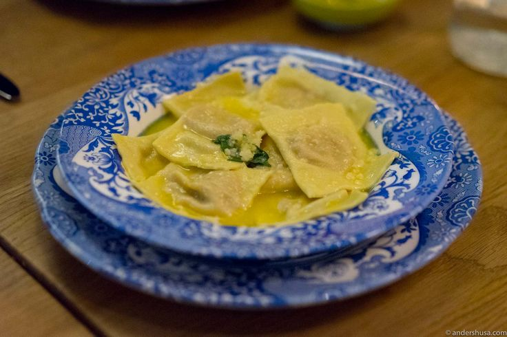 Discover the most authentic Italian restaurant in Norway. Casa Gio is a small trattoria in Pedersgata in Stavanger, and the food is exquisite!