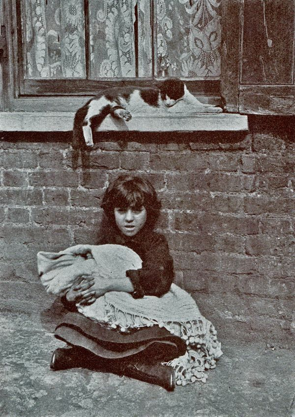 Spitalfields Nippers of 1912 - Horace Warner