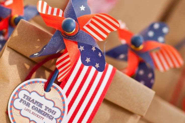 Red, white and blue pinwheels! #4thofjulyBirthday Parties, 1St Birthday