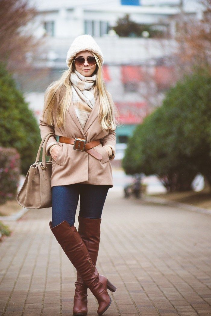 Brown overknee boots