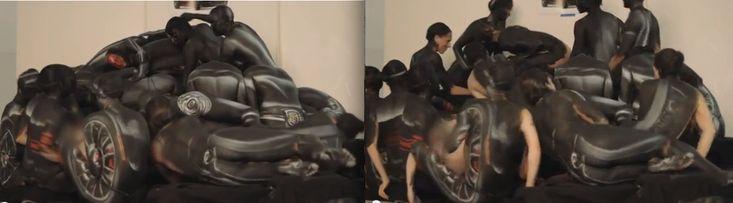 Body Painting: fiat 500 composée de 12 femmes nues [video] - 2Tout2Rien
