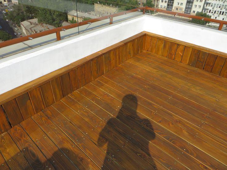 Терраса на крыше. Круто, не правда ли? Вот и сотрудникам нашей компании представилась такая возможность. Укладка пола термососной на крыше здания. Мало того, что мы занимаемся любимым делом, так мы при этом отдыхаем, наслаждаясь прекрасным панорамным видом. Так, что если у Вас есть терраса на крыше, звоните нам и мы с удовольствием ее оформим в наилучшем стиле.  +38 (067) 480-47-59 ☎ +38 (048) 703-33-75
