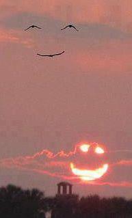 En realidad el cielo no te sonríe, pero a tu cerebro le da igual.