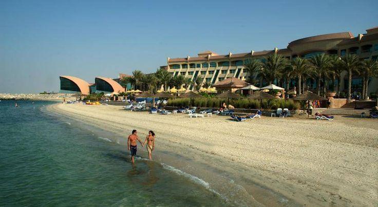 Уютная и  зеленая территория. Большие номера в арабском стиле, качественный сервис. Красивые и большие ванные комнаты. Здесь подают очень вкусные сладости в ресторанах. #путешествия   Это  отель Al Raha Beach, Абу Даби, ОАЭ. Он находится на берегу залива.  Чистый и уютный пляж. В отеле: 278 номеров.  Цена от 1248 $ на 7 ночей за 1 человека с ✈ перелетом и питанием:  BB (завтрак). #туры Отель  рекомендуем для семейного отдыха с детьми.