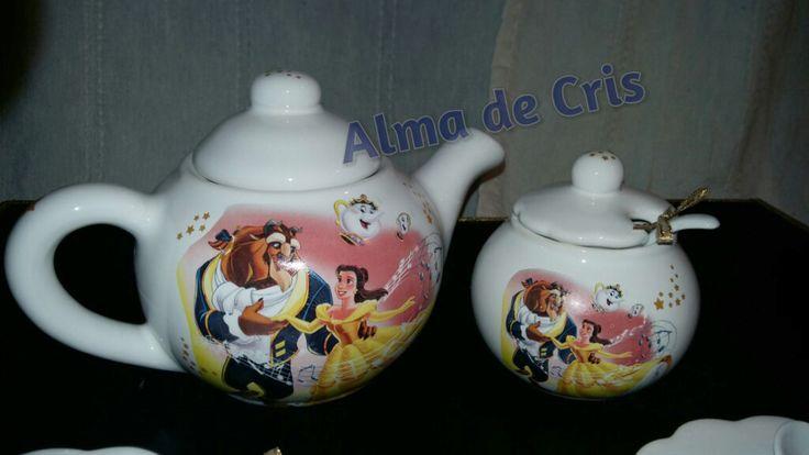 Calcos vitrificables para souvenirs a partir de diseños del cliente (foto cortesía de Alma de Cris).