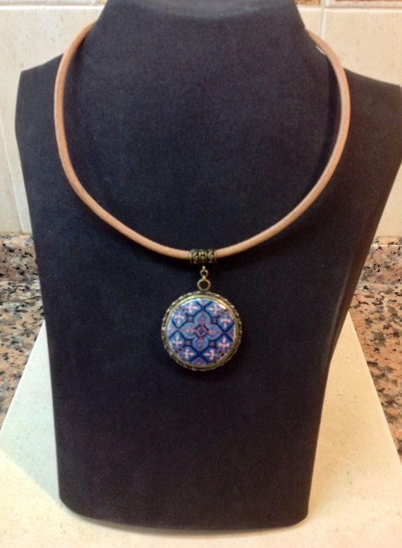Collar corto reversible con medallón de por LasJoyitasDeMarie, $18.70