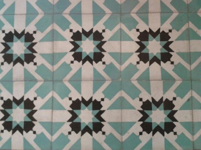Baldosas hidraulicas recuperadas floors pinterest - Baldosa hidraulica barcelona ...
