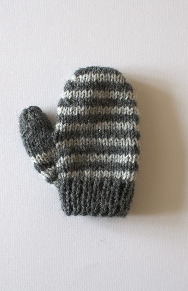 yo can self: Knitted baby mittens