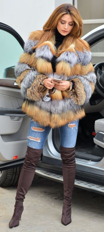 NEW SAGA FOX SILVER GOLD FUR JACKET CLAS OF CHINCHILLA SABLE COAT MINK VEST LONG