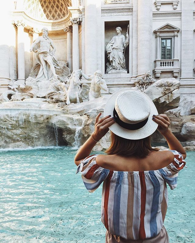 """Рим буквально дышит искусством, оно здесь повсюду: на улицах, в галереях, внутри старинных соборов, в просторных квартирах 😍 Невозможно наглядеться на эту красоту и хочется пропустить через себя все, запомнить и  прочитать тайный смысл, который вкладывали в произведения создатели. Пока я в Риме, но, когда вернусь, хочу сходить на лекцию """"Символ и реальность в искусстве, от Палеолита до Сезанна"""", которую будут читать в @biennale.club 😌 Речь пойдёт о том, что в искусстве есть две…"""