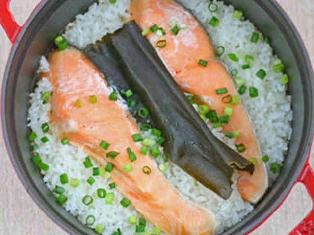 ストウブ料理「鮭のわっぱめし」の画像