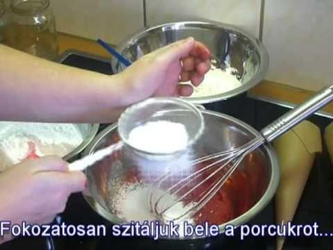 http://www.mivesmezes.hu Ebben a videóban az Íróka készítését mutatom be mézeskalácsok, sütemények díszítéséhez. Learn how to make royal icing for decorating...