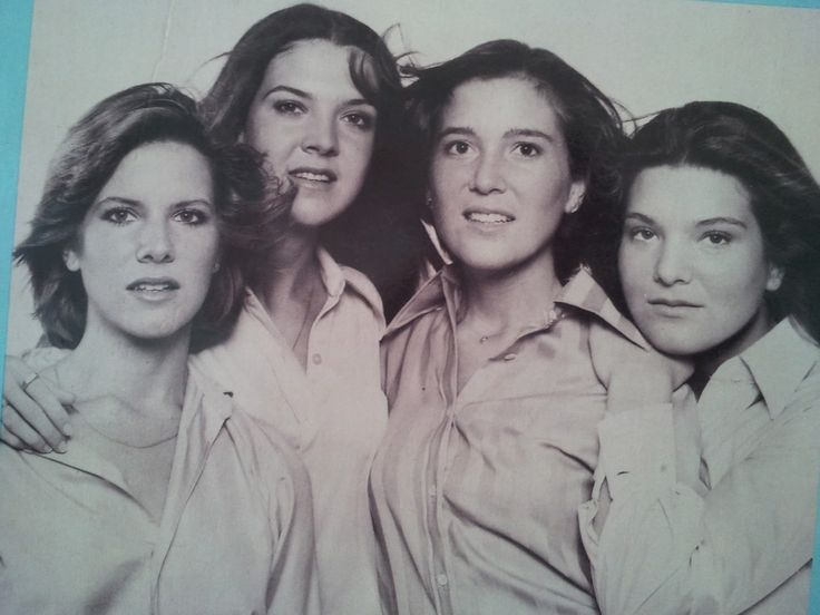 Debby Boone & sisters - You Light Up My Life