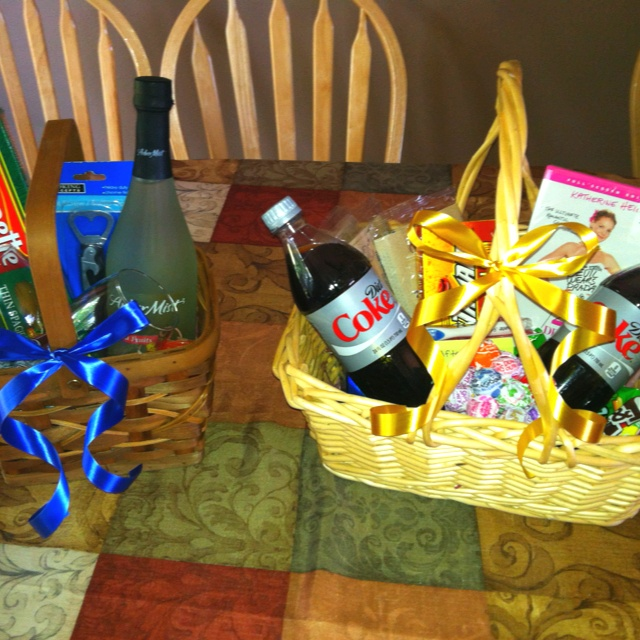 Gift baskets for guest gifts for sisters bridal shower.
