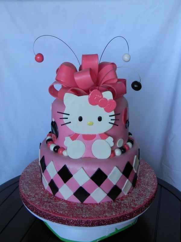 Hello Kitty Birthday: 2 Tiered Hello Kitty Cake