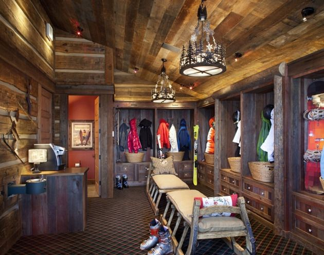 The MUD ROOM!!!!!  Stone Mountain Chalet with Elevator and Ski Room