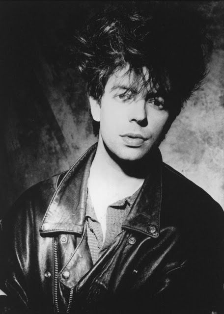 05 de mayo de 1959, nace en Liverpool, el cantante y compositor Ian McCulloch, del grupo de 'post-punk' Echo And The Bunnymen.