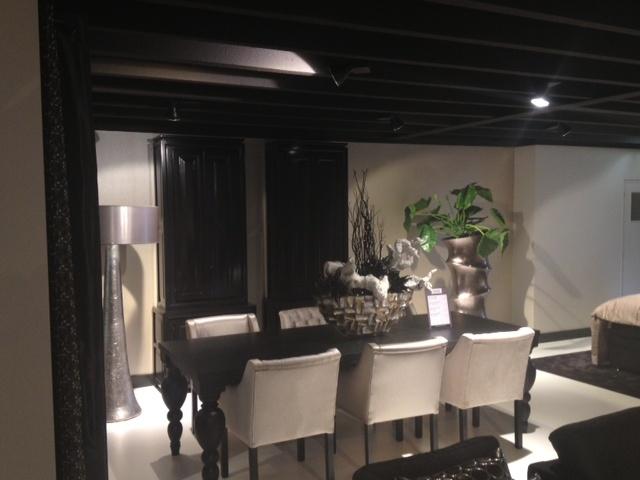 Mia Colore verwerkt in de showroom op de eerste etage bij eigen dealer, Woonwinkel Exclusief Wonen 05/04/2013