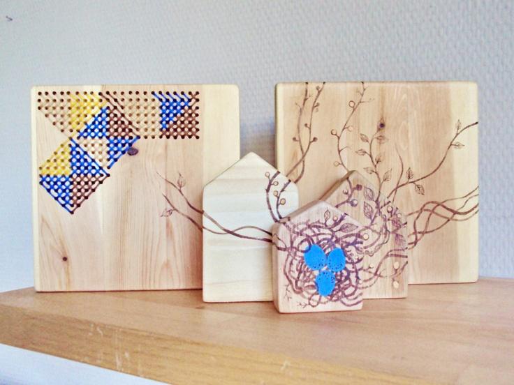 Drie kleine huisjes van hout. €48,00, via Etsy.