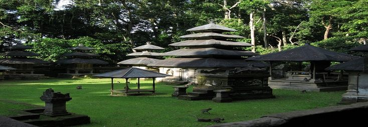 Alas Kedatonis a small forest with the width about 6-7ha located in the middle of the rice field in Tabanan regency, west part of Bali. The total size of this forest, temple and its supporter facility is about 12 ha. In this forest, there is a temple called Alas Kedaton Temple