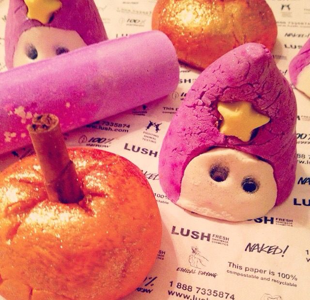 ♡ that's the wizard bath bombs from LUSH! Got one for a friend and she loved it!