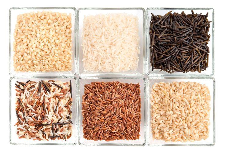 Как правильно варить рис в мультиварке, кастрюле, казане. Казалось бы, сварить рис просто — бросил крупу в кастрюлю с водой и поставил на огонь. Однако даже у опытного кулинара, умеющего готовить сложные блюда и «многоэтажные» десерты, вместо рассыпчатого риса порой получается каша. Варка риса — это искусство, в котором весьма преуспели восточные и азиатские повара.