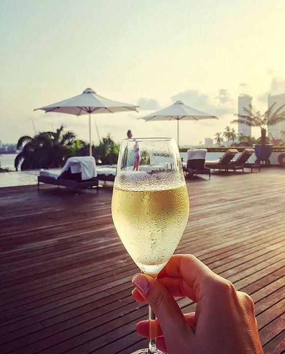 That moment when you realize you dont want to go home even though the business trip is over. : @boryana_maneva #daressalaam #tanzania #happyhour #expenselife Hotels-live.com via https://www.instagram.com/p/BB_DuBrlf0Q/