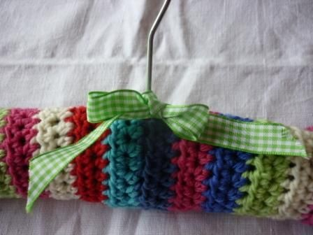 free crochet covered clothes hanger pattern - www