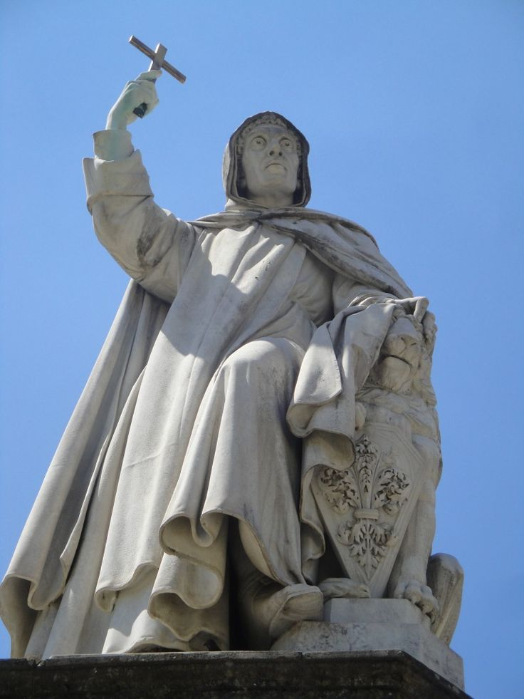 The statue of the monk Girolamo Savonarola in #Florence.