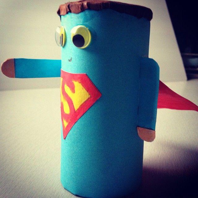 Superman en rouleau de papier toilette wc superman bricolage rouleaupq bricolages en - Bricolage papier toilette ...