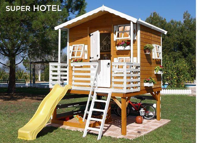 Casita de madera para niños con toboganSUPER HOTEL