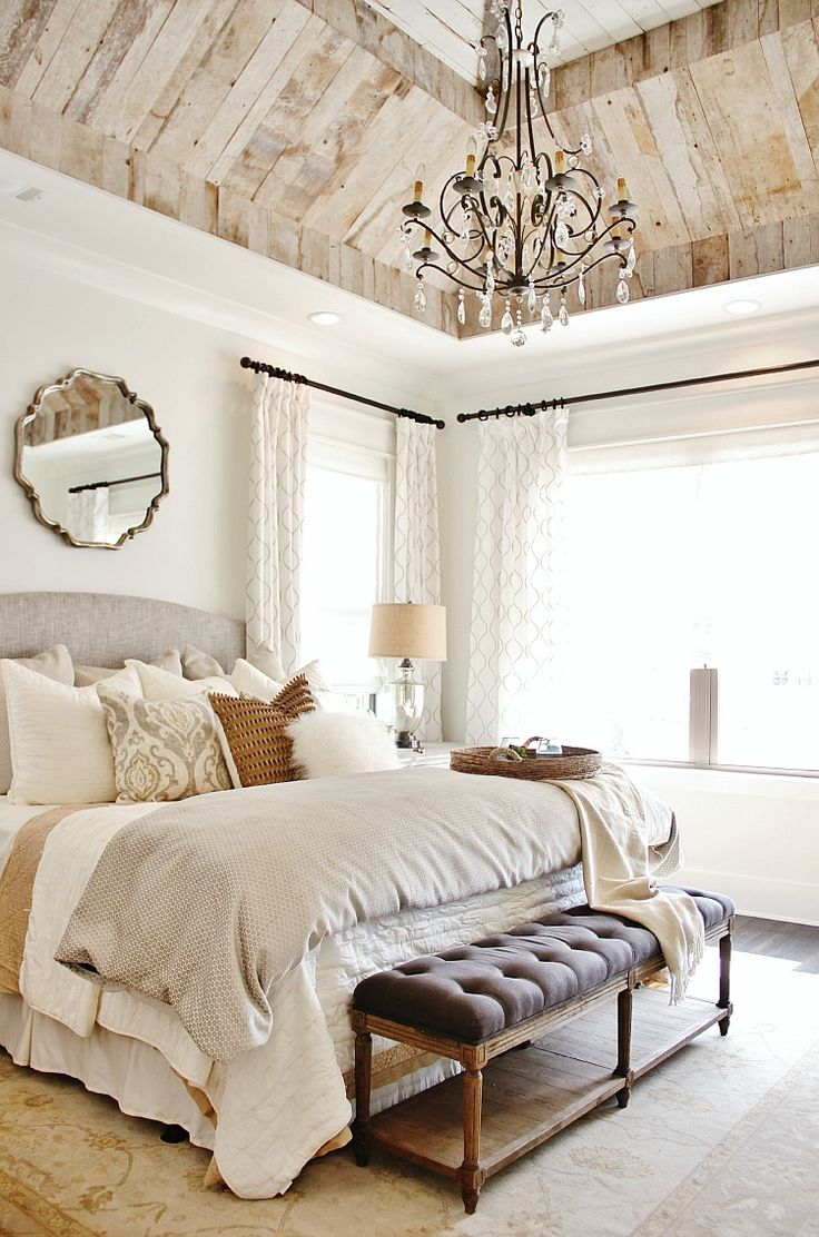 Beautiful Bedroom - and Ceiling - Thistlewood Farms