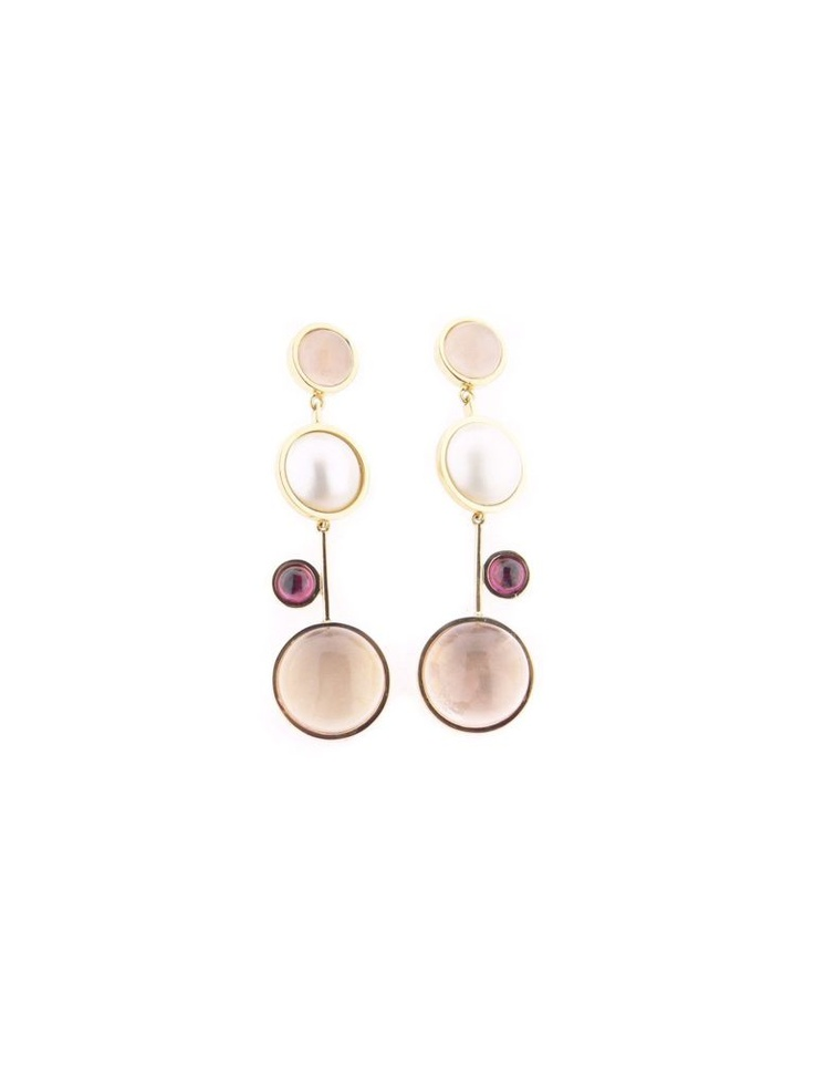 18 ct. gold earrings with pearls, pink quartz and garnets. http://www.alegriab.com/pendientes-elena/