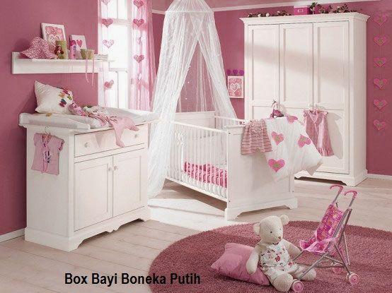 Box Bayi Boneka Putih