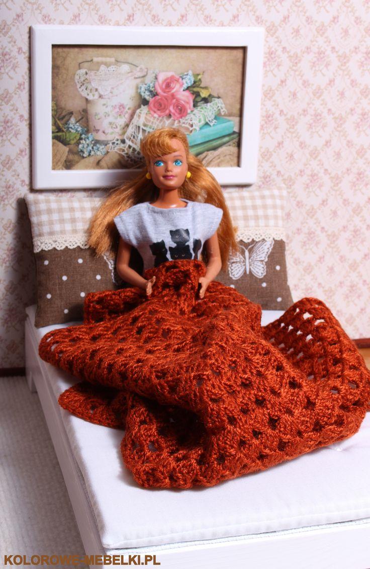 Łóżko duże dla Barbie.
