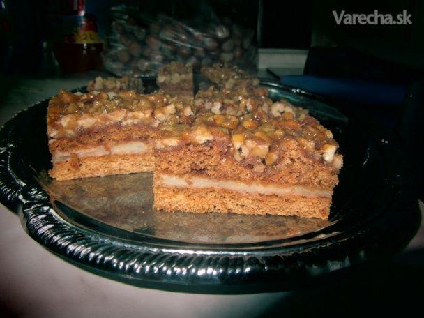 Orechovo-krémový koláč